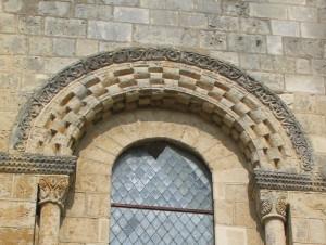 Fenêtre romane n°3