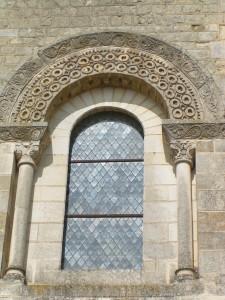 fenêtre romane n°9